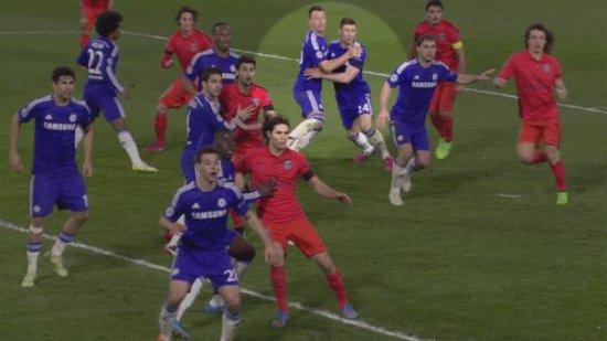Игроки Челси блокируют друг друга